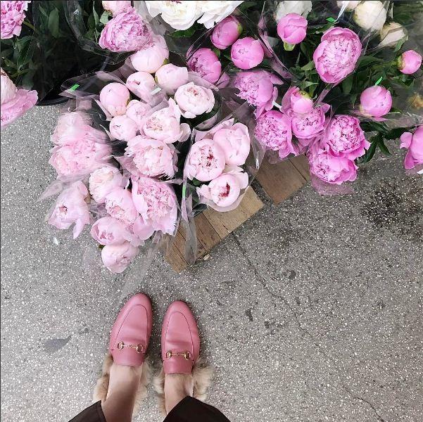 Clique da nossa colunista Vic Ceridono cheio de rosa millenial (Foto: Reprodução/Instagram)
