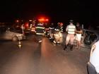 Gestante e criança são socorridas após acidente entre dois carros