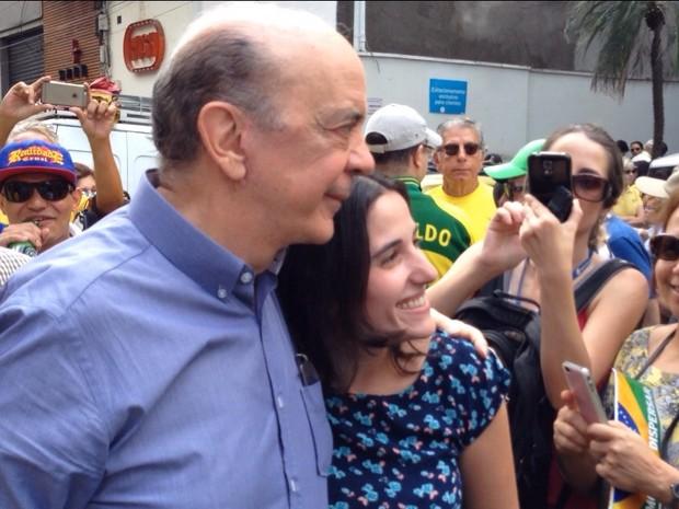 SÃO PAULO: O senador José Serra participa do protesto contra o governo na Avenida Paulista (Foto: Caio Prestes/TV Globo)