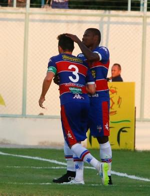 Lima marcou seu primeiro gol com a camisa do Tricolor (Foto: Tuno Vieira/ Agência Diário)