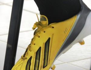 Figueirense, tchô, meia, série b, chuteiras, 10, amarela, (Foto: Luiz Henrique / Figueirense FC)