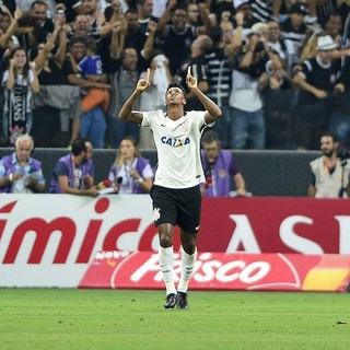 Jô Corinthians Palmeiras (Foto: Marcos Ribolli)