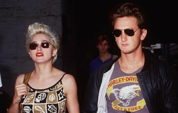 O casamento de Sean Penn e Madonna teve momentos extremamente turbulentos nos anos 80. Certa vez, num aceso de raiva, ele espancou a rainha do pop, que por sua vez denunciou o então marido. Sean se assumiu culpado. (Foto: Getty Images)
