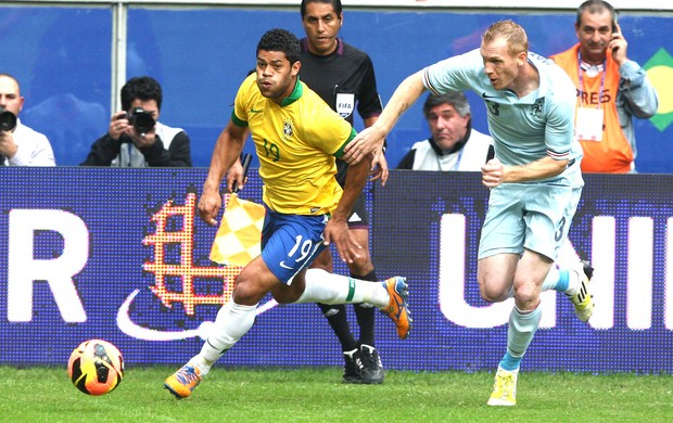 Hulk, Brasil e França (Foto: Mowa Press)