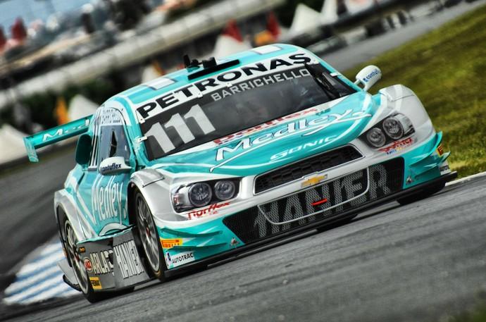 Rubens Barrichello nos treinos livres da Stock Car em Curitiba (Foto: Miguel Costa Jr./Divulgação)