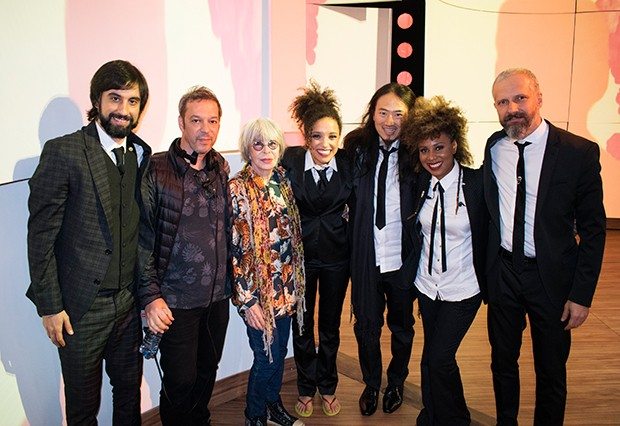 A banda do programa posa com Rita (Foto: Guilherme Samora/ Ed. Globo)