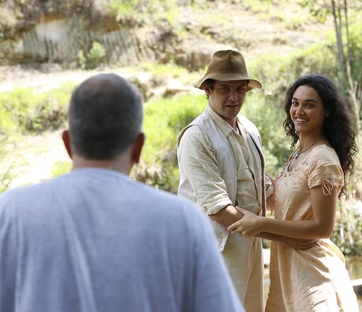 O personagem de Sérgio Guizé será apaixonado pela de Débora Nascimento (Foto: Ellen Soares/Gshow)