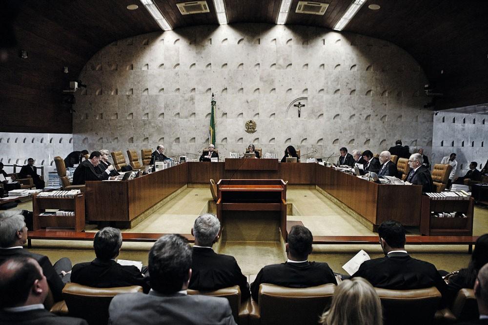O plenário do Supremo na quarta  feira.O julgamento que levou em conta mais do que  argumentos (Foto:  Agencia Senado)