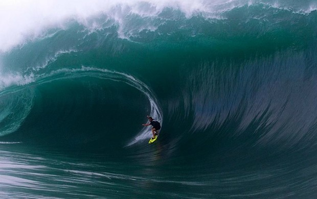 surfe Felipe Cesarano Gordo Taiti gigante (Foto: Steve Robertson / ASP)