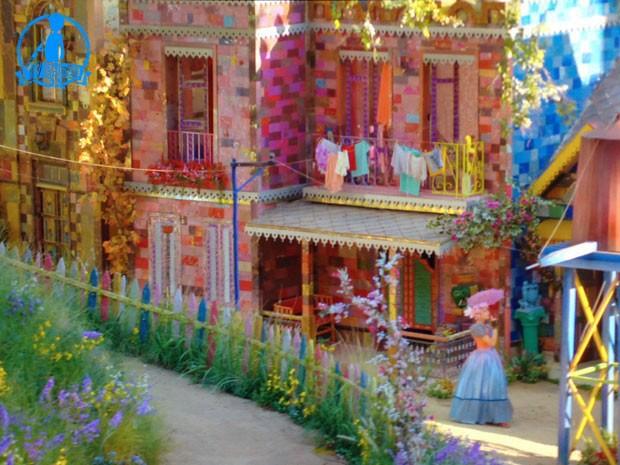 Casas coloridas reproduzem universo infantil  (Foto: Meu Pedacinho de Chão/TV Globo)