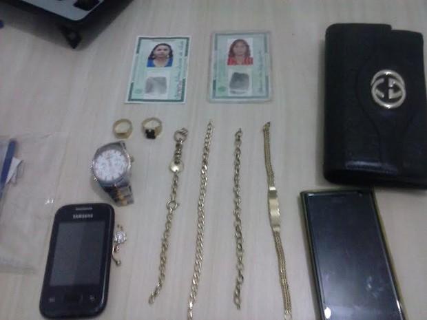Objetos encontrados com as suspeitas  (Foto: Divulgação/Polícia Civil de Juruti)