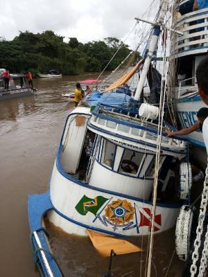 Número de passageiros que estavam no barco no momento do acidente ainda não foi confirmado (Foto: Fabiano Villela/ TV Liberal)