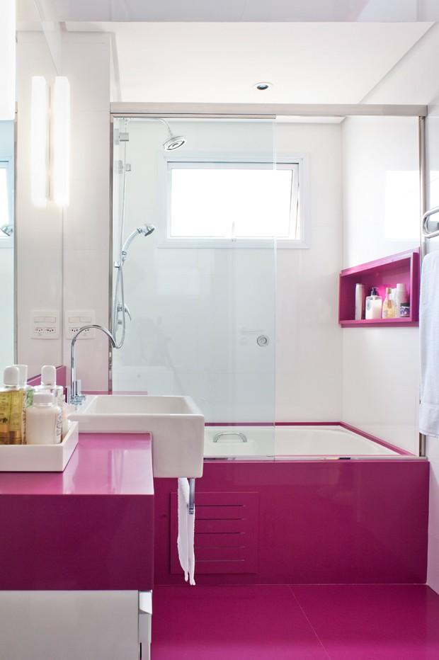 20 ideias de decoração para banheiros e lavabos  Casa e Jardim  Decoração -> Foto Banheiro Com Banheira