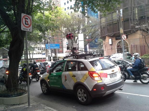 Veículo do Google na Alameda Joaquim Eugênio de Lima, em SP, nesta tarde (Foto: G1)