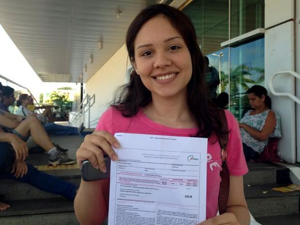 Nicole Morais foi a primeira a sair de local de prova do Enem em Natal (Foto: Nathallya Macedo/G1)