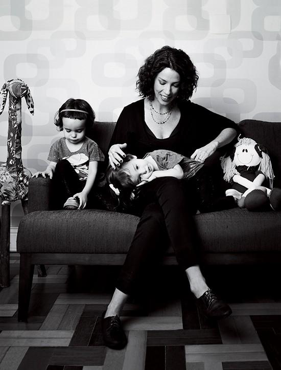 Teté Ribeiro e as duas filhas (Foto: Marcus Steinmeyer)
