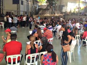 Grevistas da Educação fazem nova assembleia nesta sexta-feira (7) (Foto: Aline Nascimento/G1)