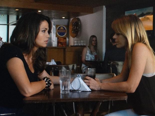 Morena e Jéssica acham que Lívia será a solução dos problemas (Foto: Salve Jorge/TV Globo)