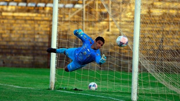 brasiliense 0 x 0 baraúnas série C goleiro Érico Baraúnas (Foto: Cláudio Reis / BrasilienseFC)