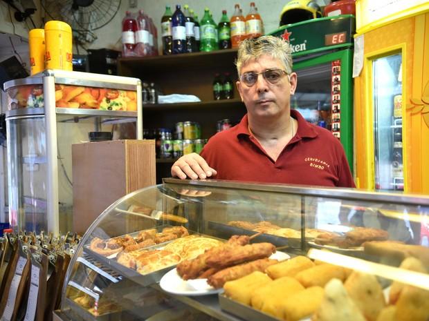 Genésio Gomes Jordão, 52, dono de bar da Rua Sete (Foto: Fernando Madeira/ A Gazeta)