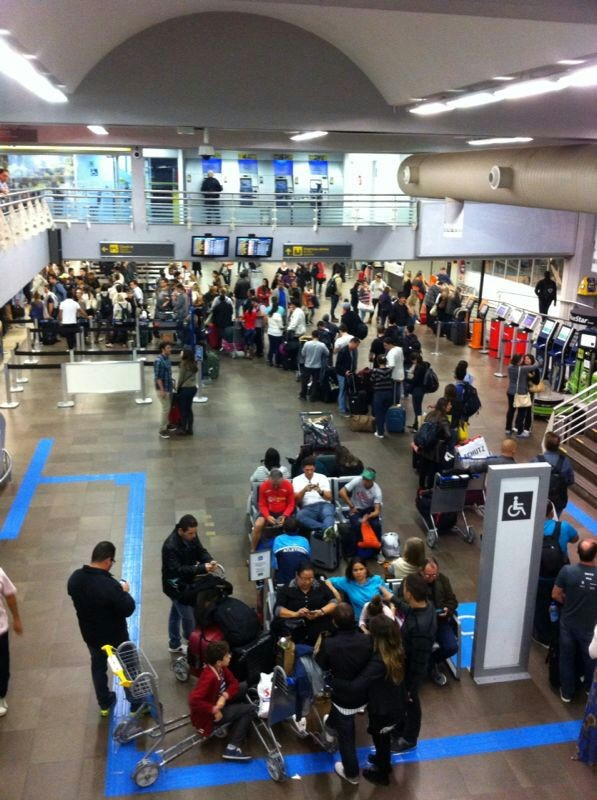 Aeroporto Em Sc : G mau tempo fecha o aeroporto hercílio luz em