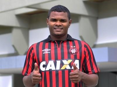 Nikão Atlético-PR (Foto: Site oficial do Atlético-PR/Bruno Baggio)