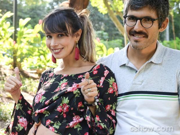 Os dois estão muito felizes (Foto: Raphael Dias / TV Globo)
