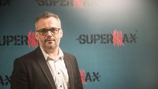 Ademir Emboava vive um ex-assessor de político em 'Supermax'