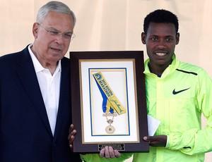 Lelisa Desisa vencedor maratona Boston prefeito (Foto: AP)