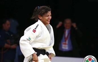 """Bronze de Sarah dá guinada e campeã olímpica volta ao Top 3: """"Ajuda muito"""""""