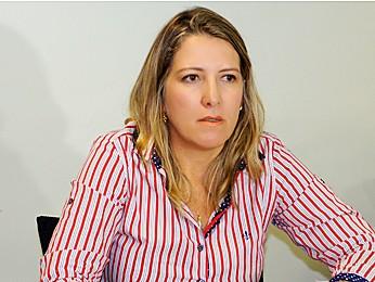 Delegada Mônica Ferreira acredita que o crime pode estar relacionado a uma tentativa de homicídio ocorrida em 2013 (Foto: Ricardo Moreira / G1)