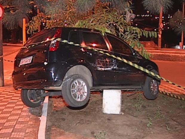 Ladrão perdeu controle de veículo de vítima (Foto: Reprodução TV TEM)