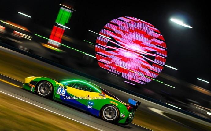 Ferrari brasileira nas 24 Horas de Daytona 2014 - Chico Longo Daniel Serra Marcos Gomes Xandinho Negrão (Foto: José Mario Dias / divulgação)