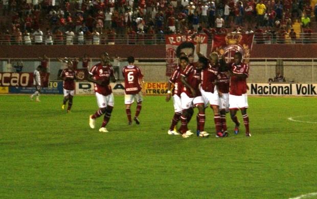 no topo (Augusto Gomes)