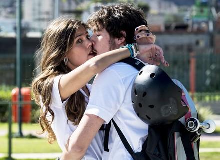 OMG! Filipe flagra Luan traindo a namorada