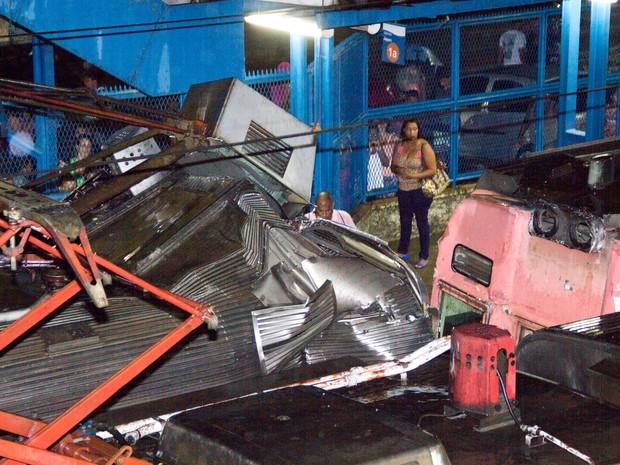 Detalhe da colisão entre os trens em Mesquita, no Rio de Janeiro (Foto: Douglas Viana/Futura Press/Estadão Conteúdo)