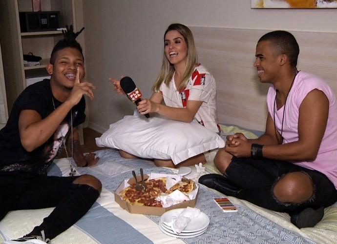 Diana Sabadini fez visita surpresa para a dupla Lucas e Orelha (Foto: Reprodução/ Plugue)