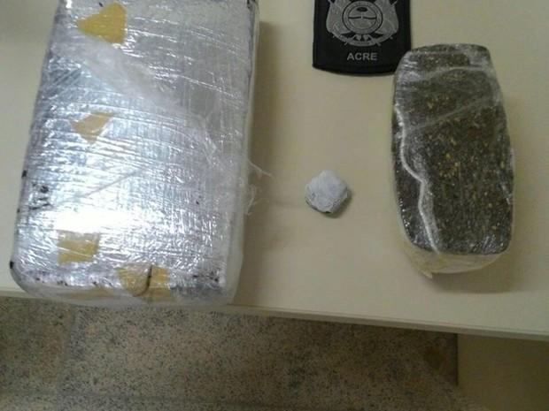 Destino da droga, segundo a polícia, era o município de tarauacá  (Foto: Divulgação/PM)