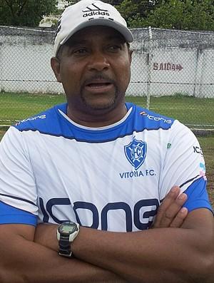Gérson Evaristo, técnico do Vitória-ES (Foto: Sidney Magno Novo/Globoesporte.com)