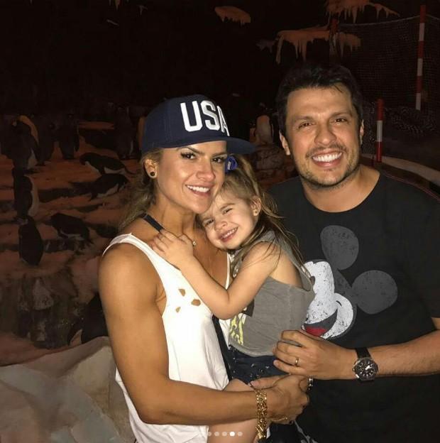 Wellington Muniz, Mirella Santos e Valentina (Foto: Reprodução/Instagram)