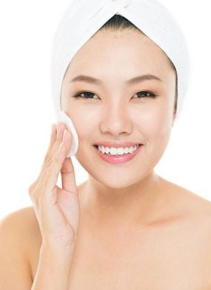 japinha limpando o rosto (Foto: Shutterstock)