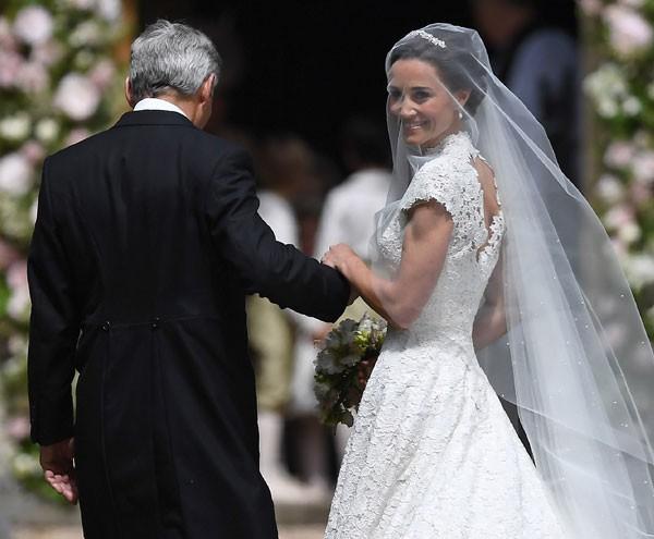 Pippa exibiu braços definidos no seu casamento (Foto: Getty Images)