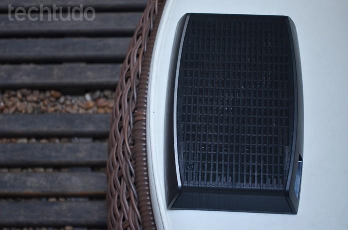 Com formato robusto e bem parecido com um case de HD externo  (Foto: Luciana Maline/TechTudo)