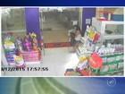 Câmera flagra furto de cachorro de petshop em Sorocaba