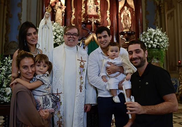 Batizado de Theo, filho de Lucilene Caetano e Felipe Sertanejo (Foto: Destac Assessoria/ Karina Brandão)