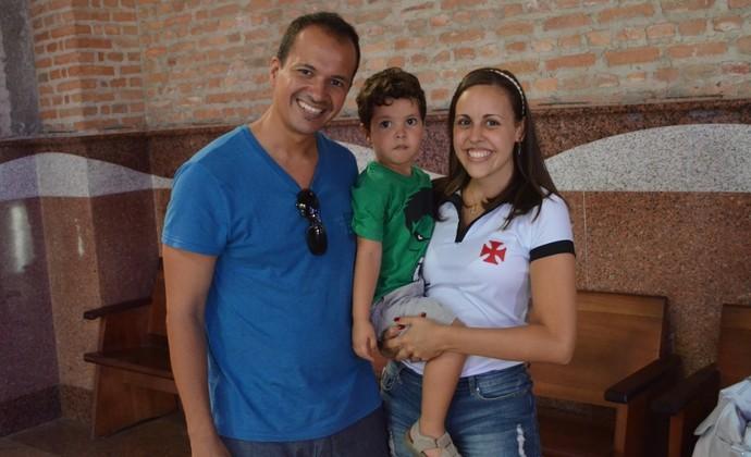 Torcedora Vasco e cunhado em Aparecida (Foto: Danilo Sardinha/GloboEsporte.com)