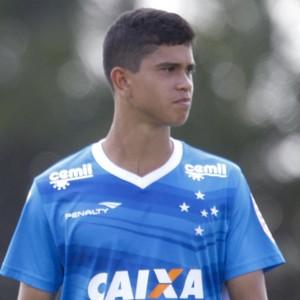Bruno Viana; Allano; Kevin; Cruzeiro (Foto: Light Press)