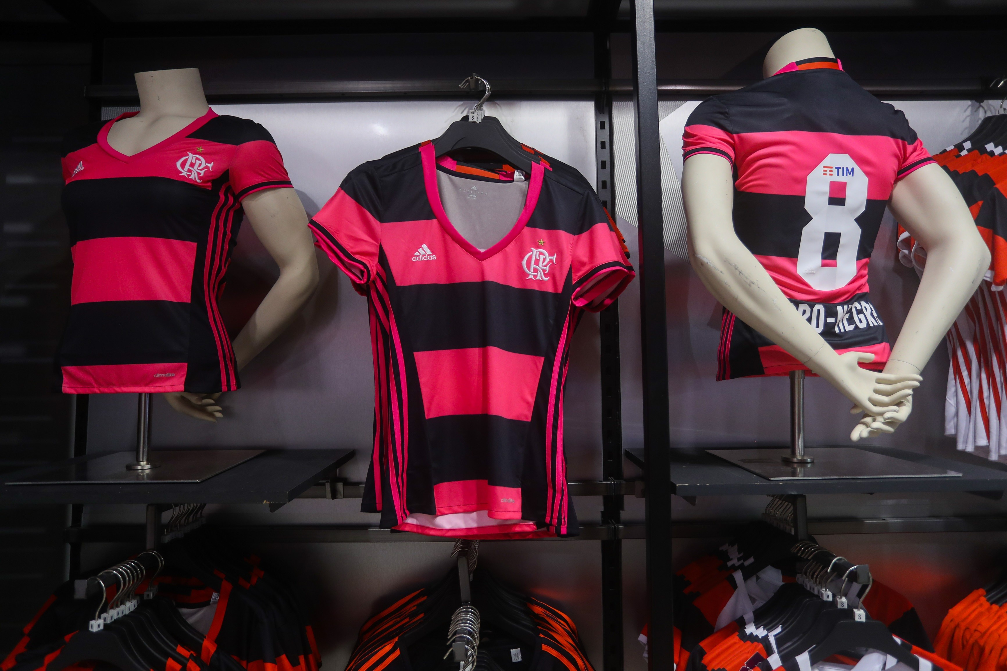 A nova camisa feminina do Flamengo 67eb05a31694f