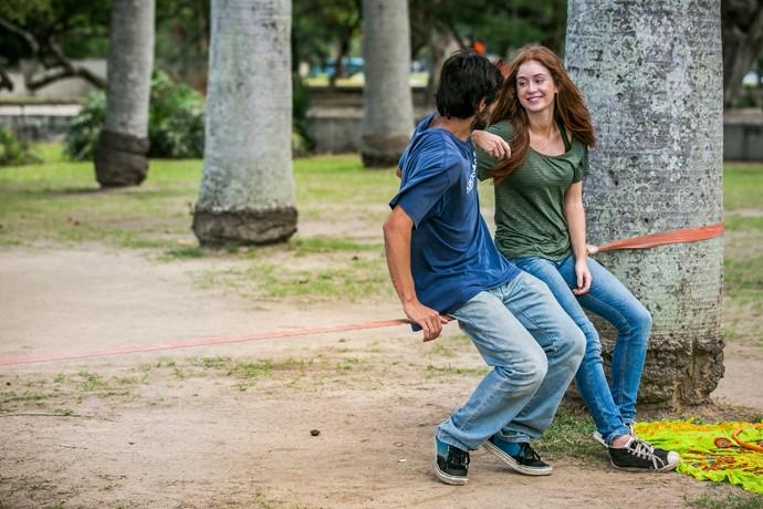 Eliza e Jonatas não param de implicar um com o outro (Foto: Isabella Pinheiro / Gshow)