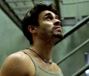 Sergio escuta assobio misterioso em 'Supermax' (Foto: TV Globo)
